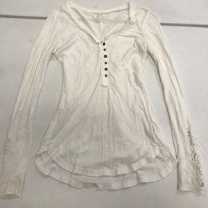 Free People White Cuff Embroidered Tee size Small